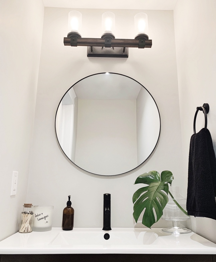 Simple Home Updates : Powder Room Refresh
