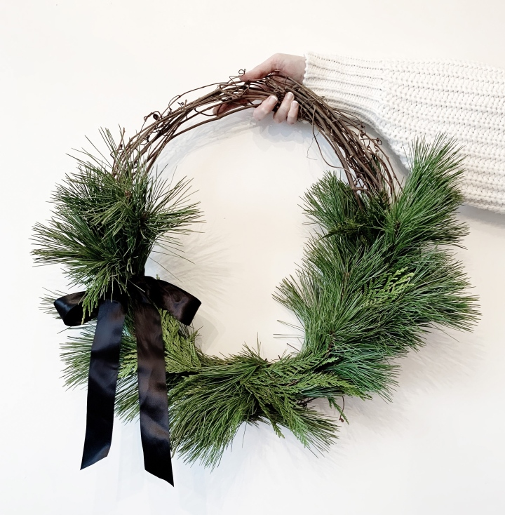 How To Make A Minimal Natural Christmas Wreath