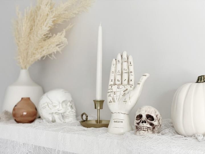 Spooky Yet Chic HalloweenDecor